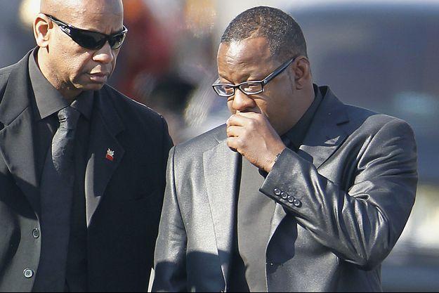 Bobby Brown aux funérailles de Whitney Houston en 2012.
