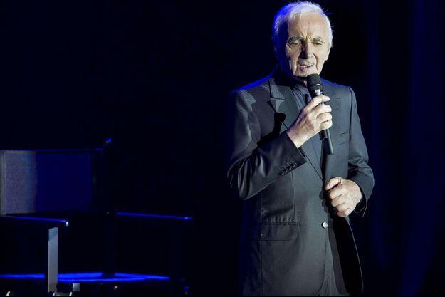 Charles Aznavour en concert à Prague le 6 avril 2016.