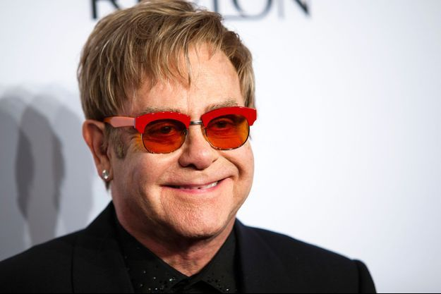 Elton John au gala annuel de l'association AIDS à New York le 15 octobre 2013.