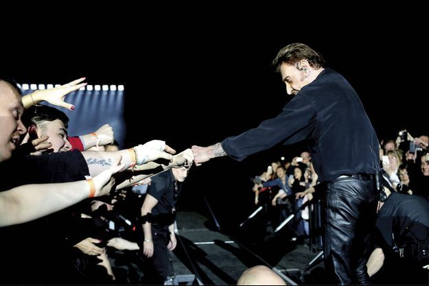 Samedi 26 mars, au Palais 12 de Bruxelles. Ce concert de Johnny Hallyday est le plus bouleversant dans une très longue histoire.