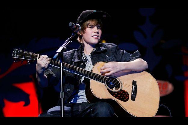 A 16 ans, Justin Bieber est une star de la musique chez les ados.