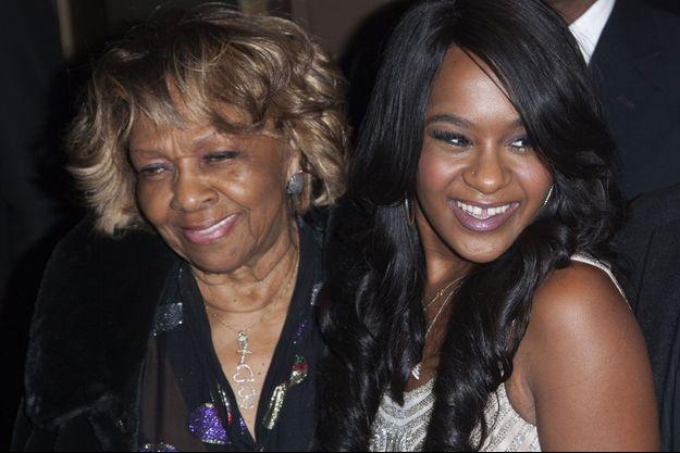 Bobbi Kristina et Cissy Houston, en octobre 2012, lors d'un hommage rendu à Whitney.