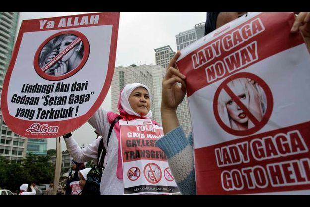 Manifestation contre Lady GaGa à Jakarta.