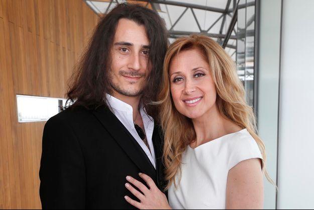 Gabriel di Giorgio et Lara Fabian, jeunes mariés.