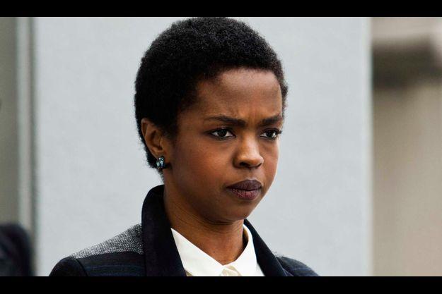 Lauryn Hill quittant le tribunal de Newark lundi.