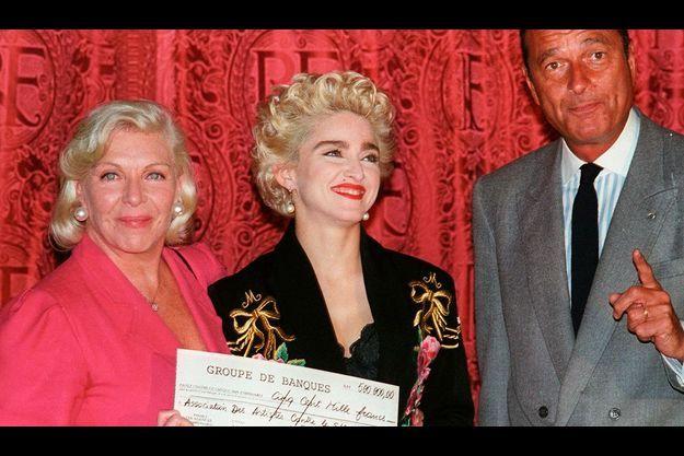 En 1987, Madonna avait également apporté son soutien. A dr., Jacques Chirac.