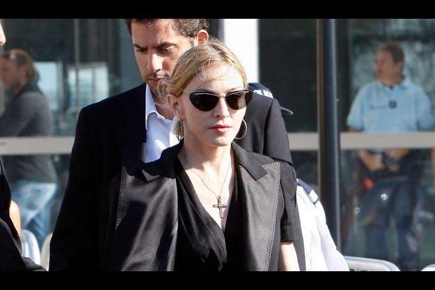 Madonna a rendu visite à la famille de la victime française.