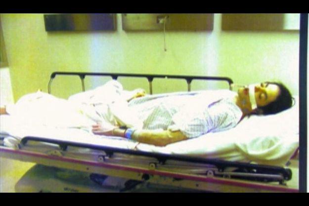 25 juin 2009. Michael Jackson vient d'arriver à l'hôpital. Selon les infirmiers, il était déjà mort depuis une bonne vingtaine de minutes lorsqu'ils sont arrivés chez lui, quatre minutes après avoir été appelés.