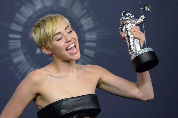 Miley Cyrus remporte l'award du Clip de l'année des MTV Video Music Awards 2014