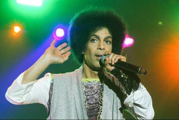 Prince en concert au Festival Essence à la Nouvelle-Orléans le 5 juillet 2014.