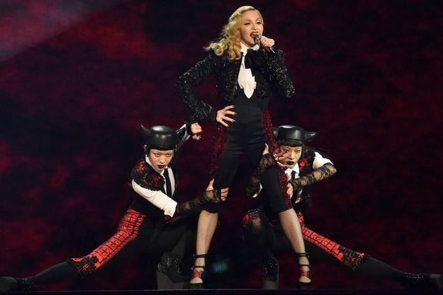 """Madonna a accordé une interview à """"Entertainment Weekly"""" jeudi dernier."""