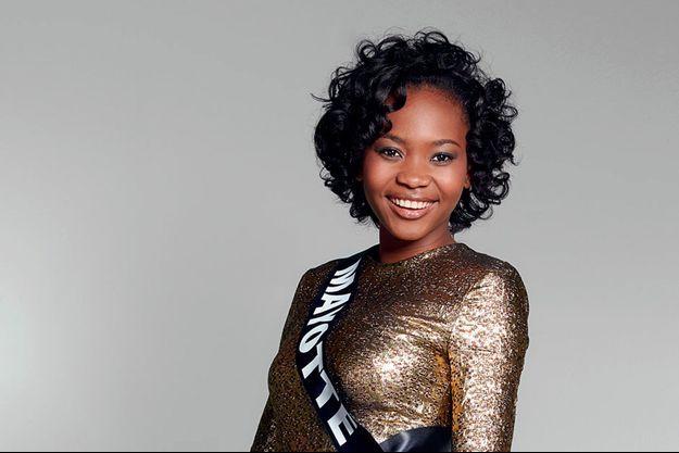 Naïma Madi Mahadali, Miss Mayotte 2016, répond aux questions de Paris Match.