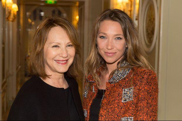 Nathalie Baye et Laura Smet à Paris, le 12 janvier 2015