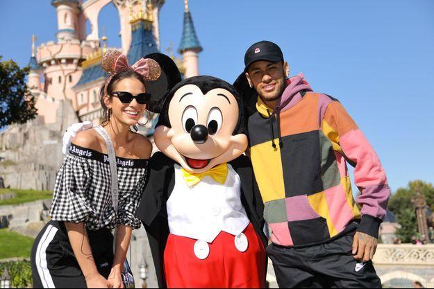 Neymar et Bruna ce week-end à Disneyland.