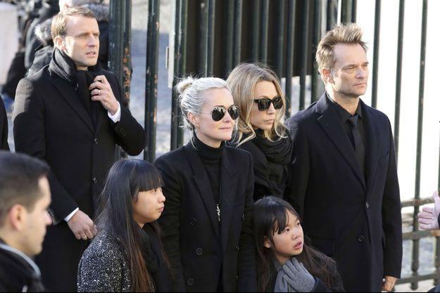 Laeticia Hallyday, Jade et Joy, Laura Smet et David Hallyday lors de l'hommage à la Madeleine pour Johnny le 9 décembre 2017.
