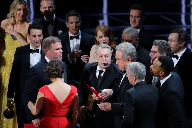 Moment de gêne sur la scène des Oscars 2017.
