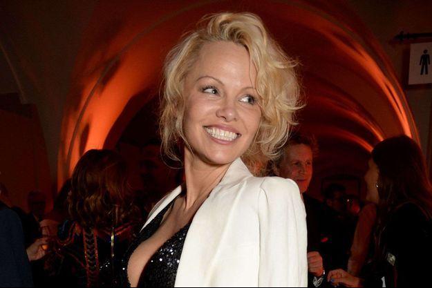 Pamela Anderson en couple avec Julian Assange.