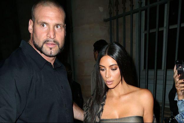 Pascal Duvier et Kim Kardashian à Paris, le 29 septembre 2016.