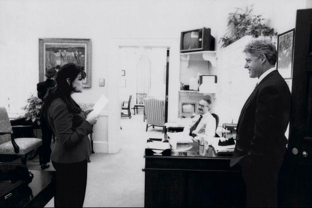 Bill Clinton et Monica Lewinsky en 1995 à la Maison Blanche