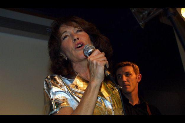 Christine Devier-Joncours en concert au Pontet en 2003. Elle venait de sortir un CD cinq titres sous le pseudonyme de Christine DJ.