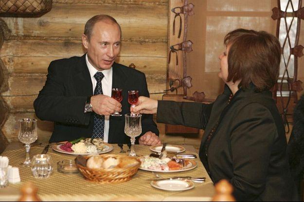 Vladimir Poutine et Lyudmila, en décembre 2007.