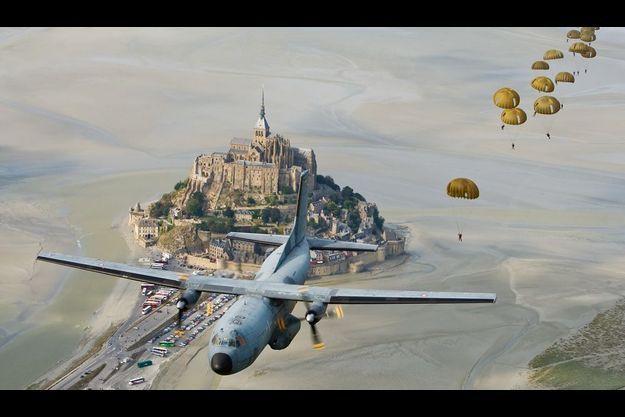 Saut de démonstration, en 2010, le jour de la Saint-Michel, patron des parachutistes.