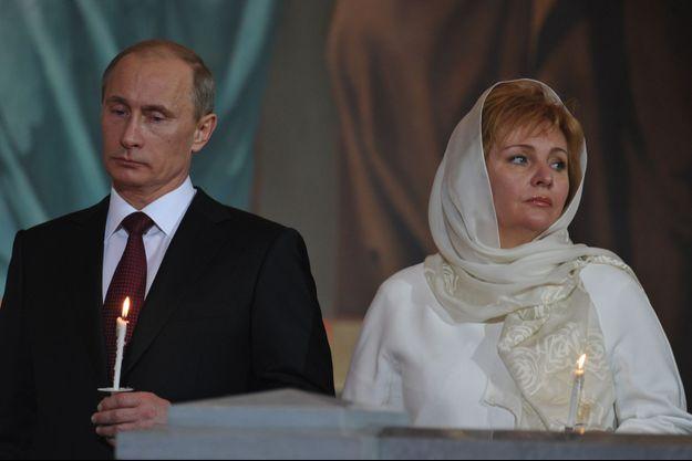 Une des dernières apparitions publiques du couple Poutine, en avril 2011.