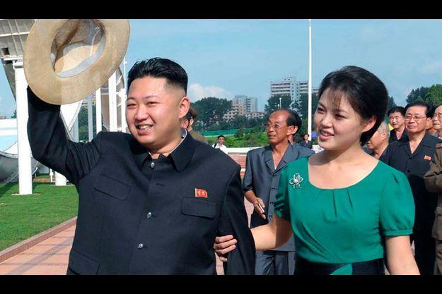 Kim Jong-Un et Ri Sol-Ju lors de la visite d'un parc d'attraction, le 25 juillet dernier.