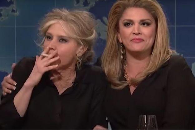 Cecily Strong et Kate McKinnon incarnent Brigitte Bardot et Catherine Deneuve lors du Saturday Night Live.