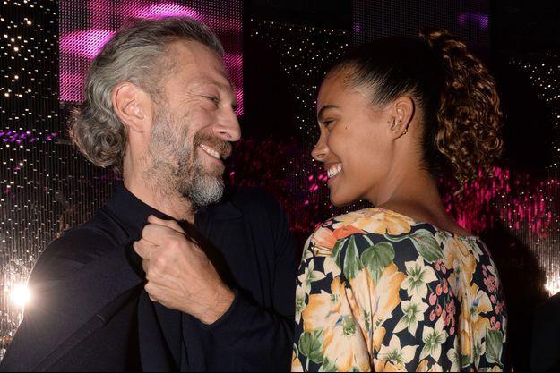 Vincent Cassel et Tina Kunakey à Paris en décembre 2016.