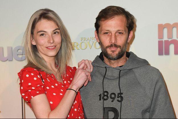 """Chloé Roy et Nicolas Duvauchelle en avril 2019 à la première parisienne du film """"Mon inconnue"""""""
