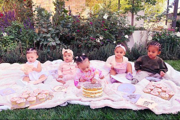 Les bébés Kardashian : Stormi, True, Chicago, Dream et Saint