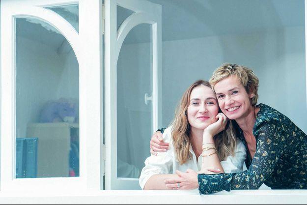 Avec Jeanne, au balcon de l'atelier d'artiste, à Montmartre, où Toulouse-Lautrec aurait séjourné et travaillé.