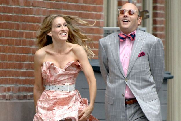 """Sarah Jessica Parker et Willie Garson sur le plateau du film """"Sex and the City""""."""