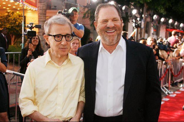 Woody Allen aux côtés de Harvey Weinstein lors de la première de Vicky, Cristina Barcelona.