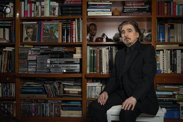 Serge Lama chez lui à Paris, dimanche 30 octobre,