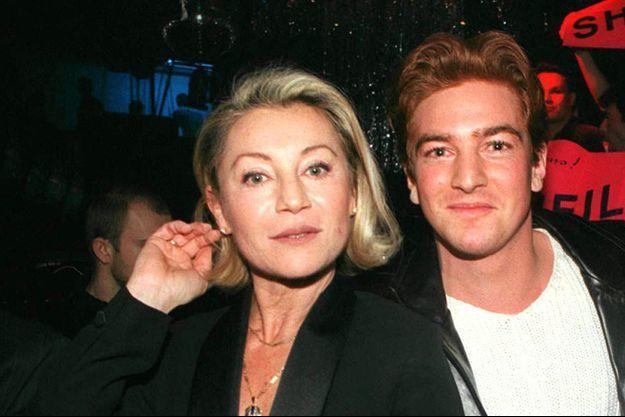 Sheila et son fils, Ludovic Chancel, en 1998.
