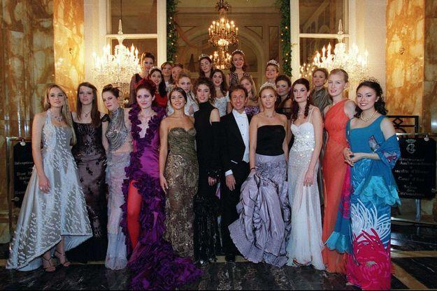 Le Bal des Débutantes est célébré chaque année depuis 1992 à Paris