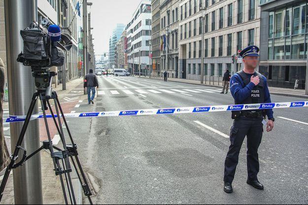 Attentats à Bruxelles : les personnalités réagissent sur les réseaux sociaux