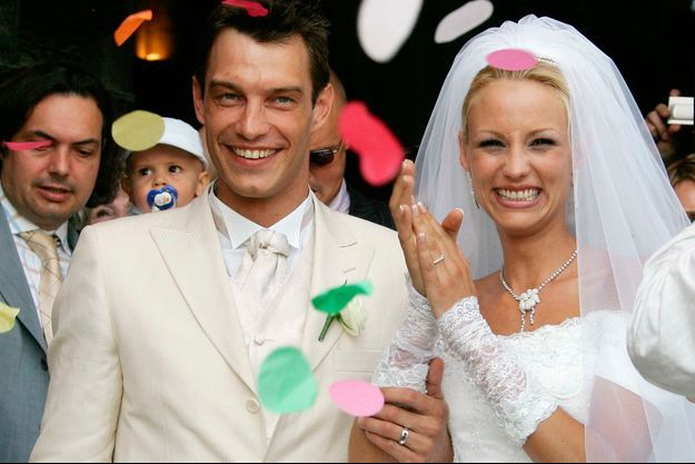 Bertrand Lacherie et Elodie Gossuin à Compiègne pour leur mariage en 2006