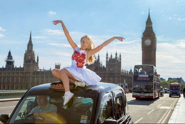 A Londres sur le « black cab » de papa, qui a lui aussi une mémoire exceptionnelle.