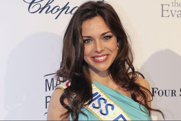 Marine Lorphelin, un ex-Miss en stage à Tahiti.