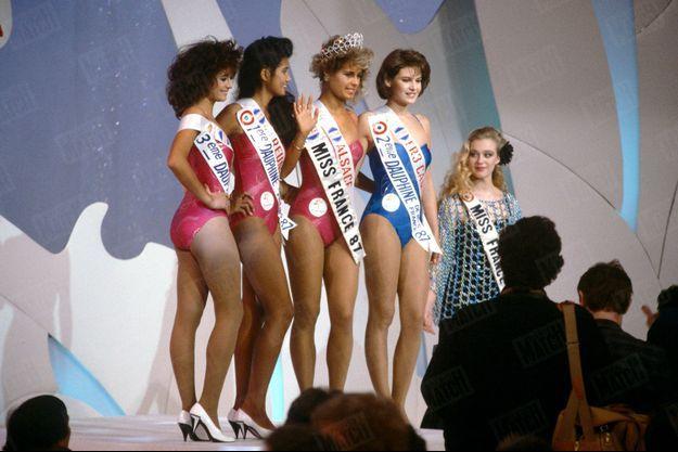 L'élection de Miss France 1987, ou le sacre mouvementé de Nathalie Marquay (future épouse de Jean-Pierre Pernaut) en présence de Guy Lux et de Geneviève de Fontenay, aux studios des Buttes Chaumont à Paris, le 31 décembre 1986.