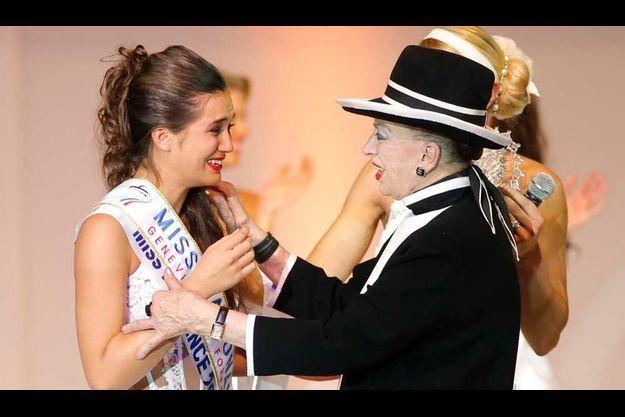 Geneviève de Fontenay et Barbara Morel, première Miss Nationale de l'histoire, en 2010.
