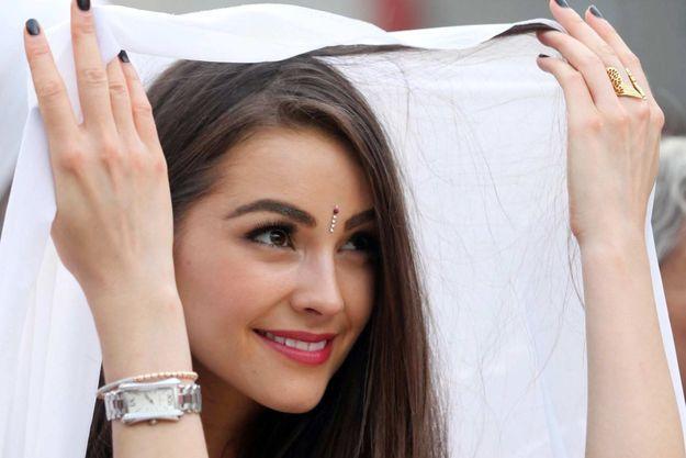 Olivia Culpo à la prison de Tihar en Inde.