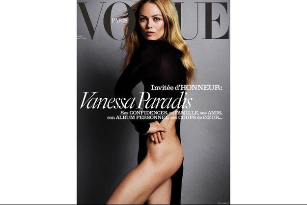 """Pour l'édition du mois de décembre de """"Vogue Paris"""", Vanessa Paradis se découvre d'un fil."""