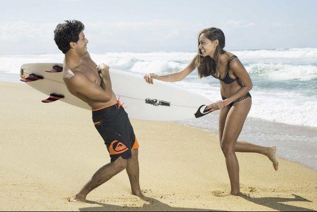 A Hossegor, dans leur maison cachée derrière les dunes, ils mènent la vie de bohème C'est le meilleur surfeur français et il vient de la Réunion.