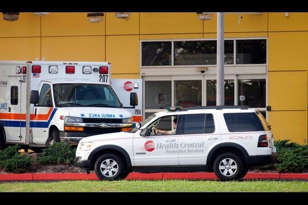 Une femme sortant de chez Tiger Woods a été hospitalisée au Health Central Hospital.