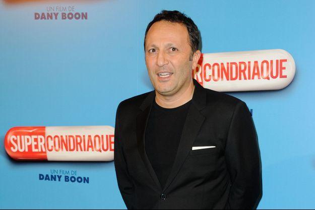 Arthur à la première du film «Supercondriaque» à Paris, le 24 février 2014