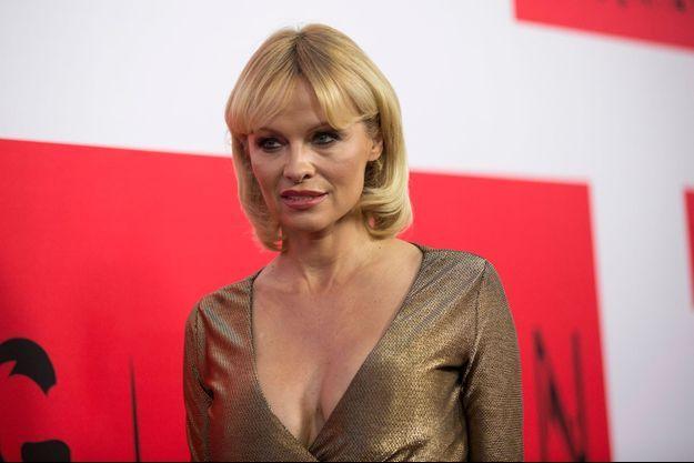 """Pamela Anderson à la première du film """"The Gunman"""" le 12 mars dernier à Los Angeles"""